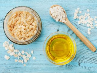 Keep your skin silky smooth with this oatmeal milk and honey sugar scrub! This DIY dry skin oatmeal milk and honey sugar scrub recipe will leave your skin feeling moisturized and hydrated this winter.