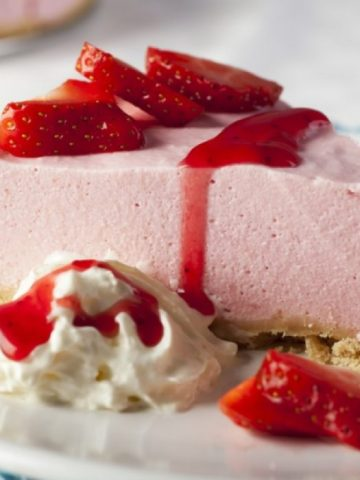 Strawberry Mousse Cheesecake Recipe!