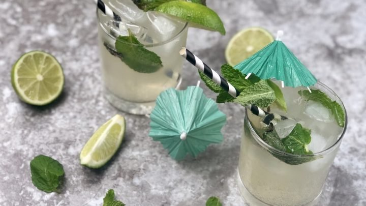On those nice summer nights where an adult beverage sounds like it would hit the spot, whip up this keto mojito which is a low carb cocktail. It is easy for people to not consider the sugar in drinks when they start watching carbs after starting a ketogenic diet. #keto #lowcarb #lowcarbcocktails #mojitorecipe #cocktail