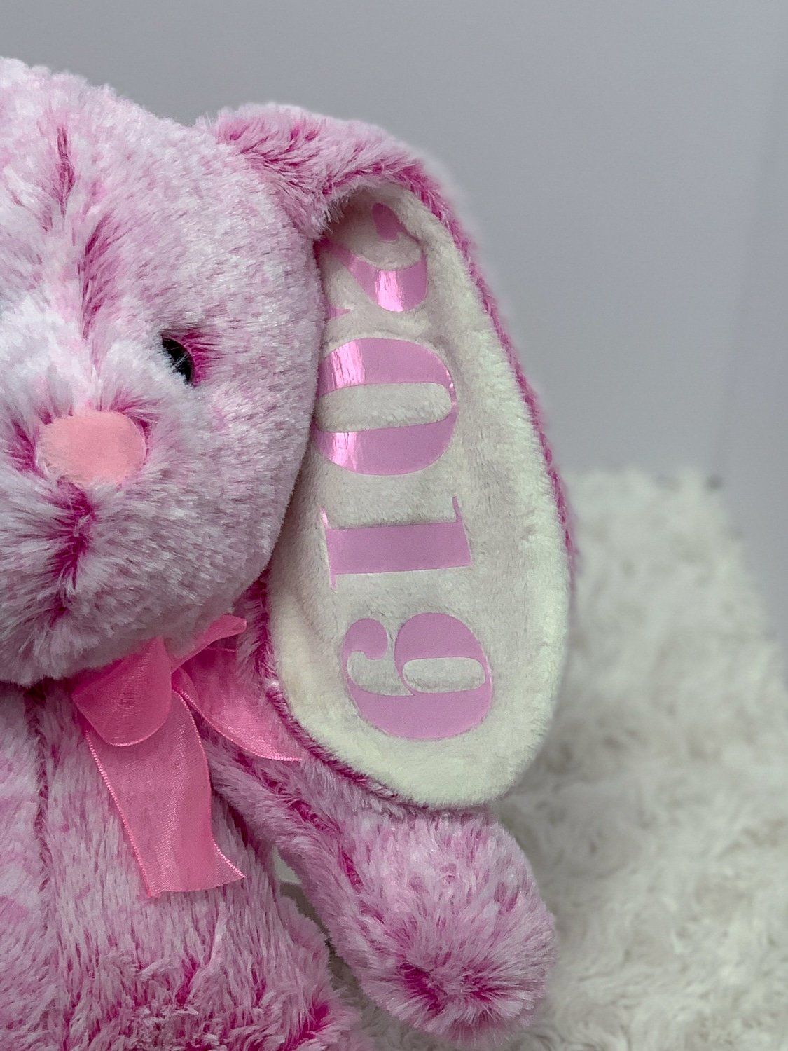 Learn to make a super cute Easter Bunny Keepsake with this easy Cricut Tutorial. This stuffed easter bunny is a great addition to any baby's Easter basket. #easter #eastercrafts #cricut #cricutmade #easycrafts #easydiy #baby
