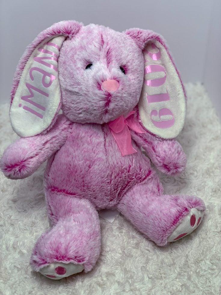 Easter Bunny Cricut Tutorial: How To Apply Heat Transfer Vinyl