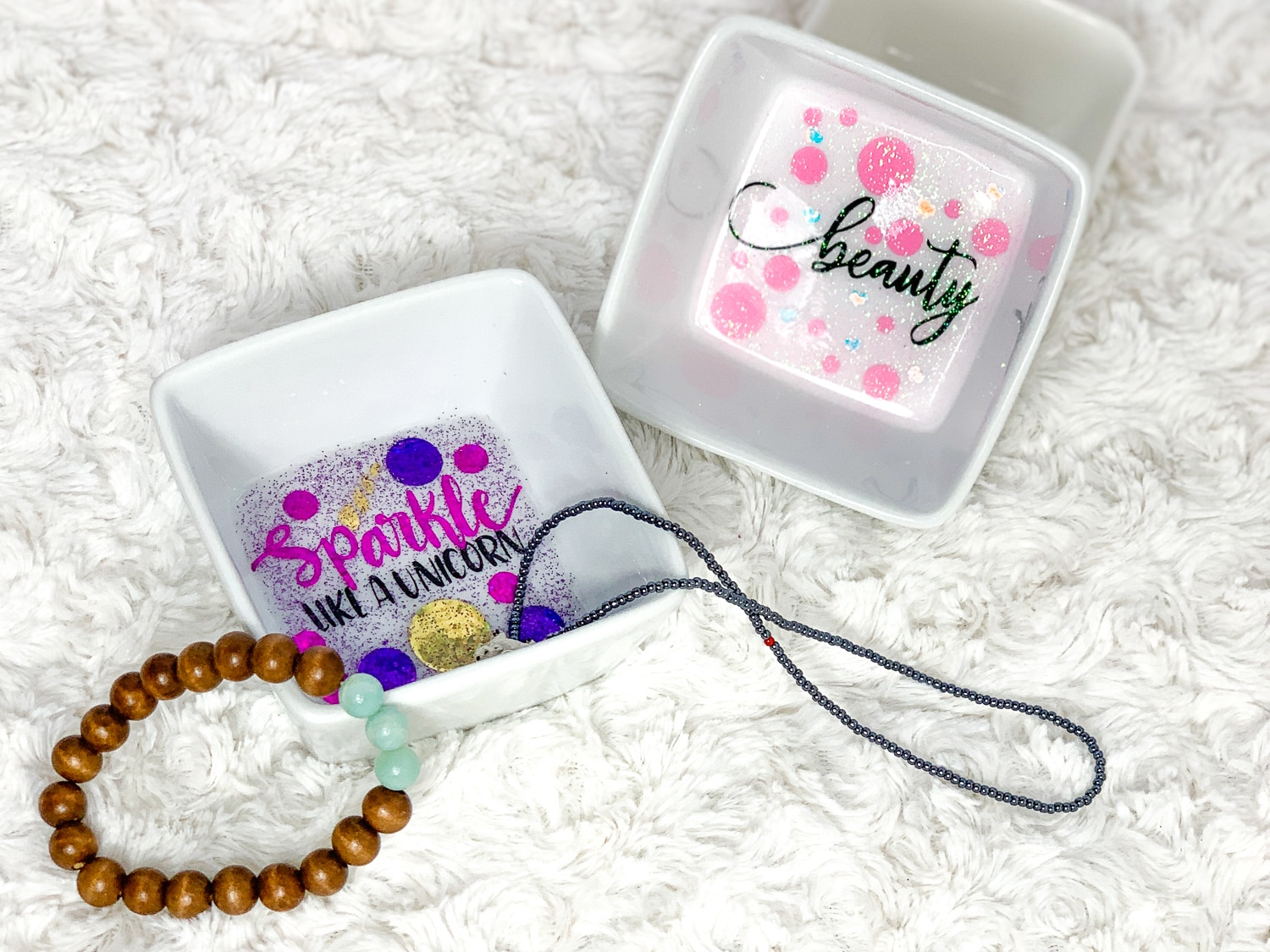 I have been looking around the house looking at things, like what can I make with this... Which is how this Vanity Tray set with ring dish came about. #cricut #cricutmade #cricutexplore #cricutprojects #cricutcrafts #vanity #ringdish