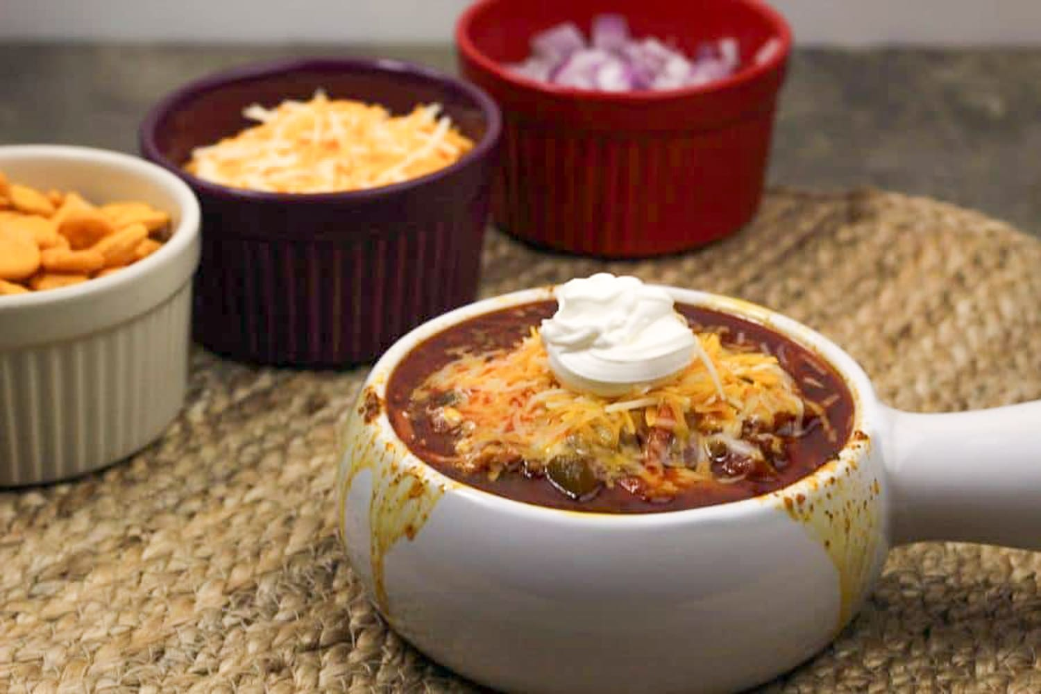 Instant Pot Chili is a must on your coldest days, and maybe even for the ones that are not so cold! This is a great chili recipe and its quick and easy! #instantpot #chili #chilirecipes #instantpotchili